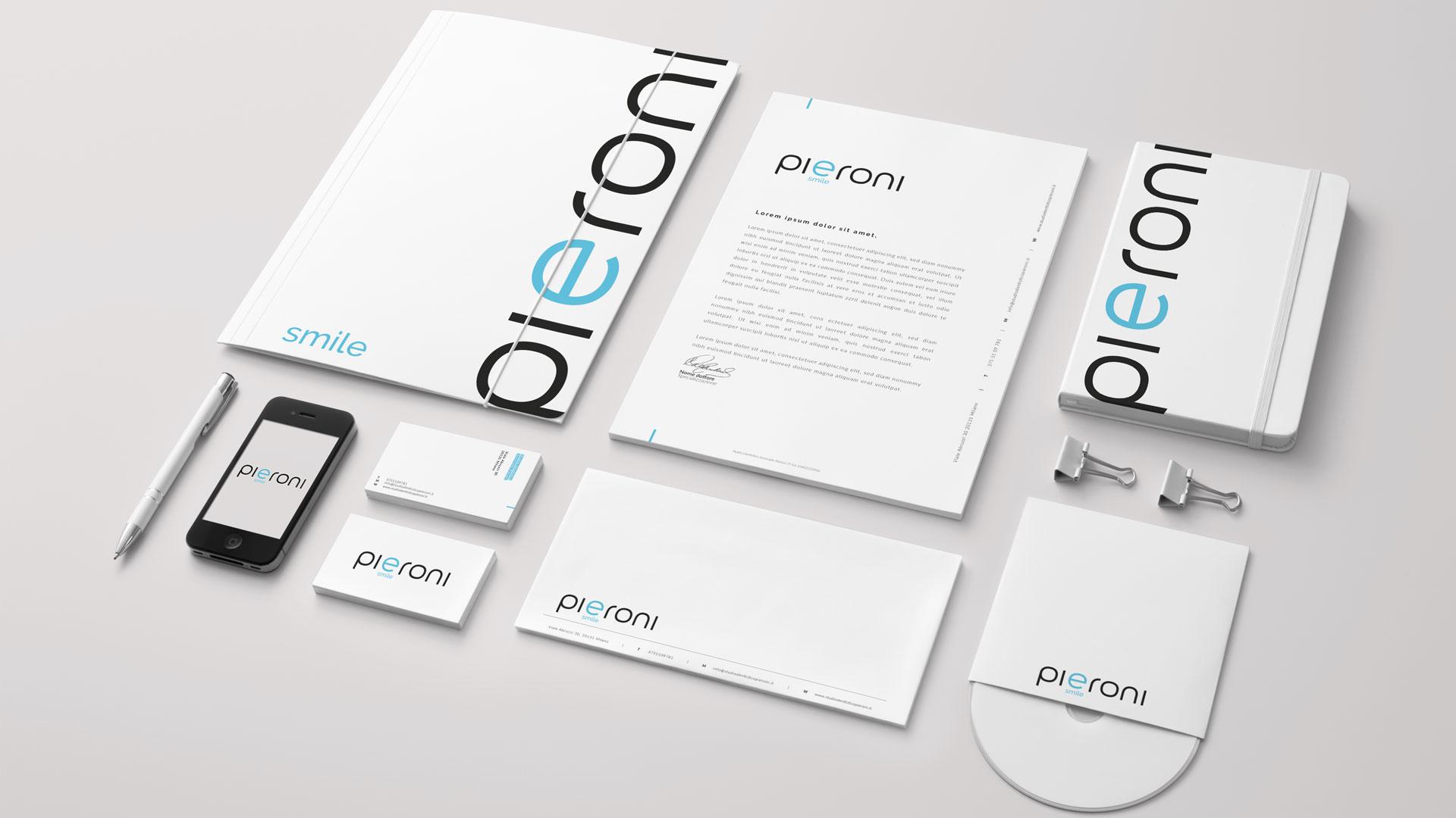 Brochure dentista | Pieroni | Portfolio Ideandum